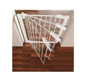 Best pressure mounted baby gate: Munchkin Auto-Close Metal Gate shown in motion in a door frame